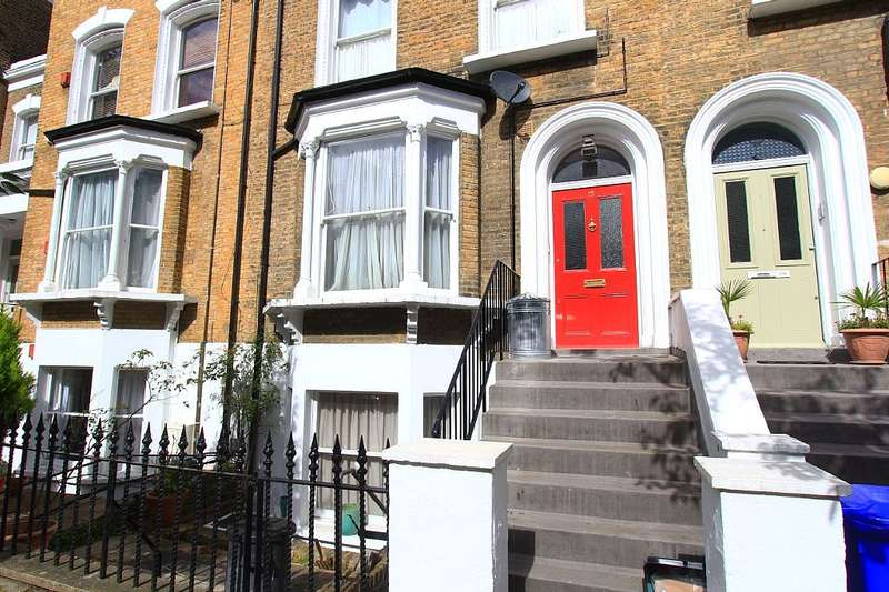2 Bedrooms Flat for sale in Pyrland Road, Newington Green / Upper Canonbury, Islington, London, London, N5