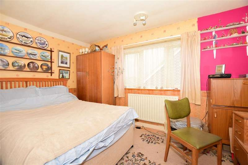 2 Bedrooms Bungalow for sale in St. Andrews Close, Margate, Kent