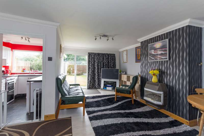 3 Bedrooms Semi Detached House for sale in Telham Avenue, Ramsgate, CT12