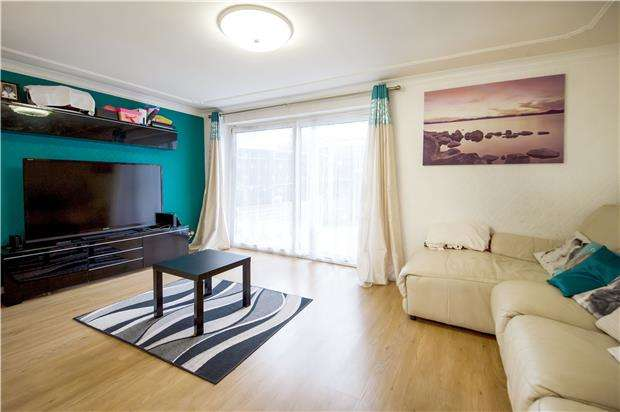 3 Bedrooms End Of Terrace House for sale in Derwent Rise, KINGSBURY, NW9 7HX