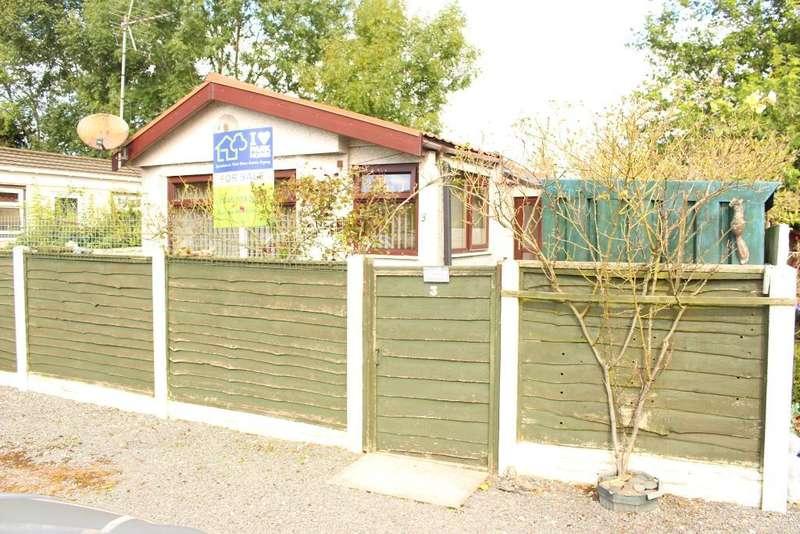1 Bedroom Park Home Mobile Home for sale in Whitehouse Residential Park, Garstang, Lancashire, PR3 1BG