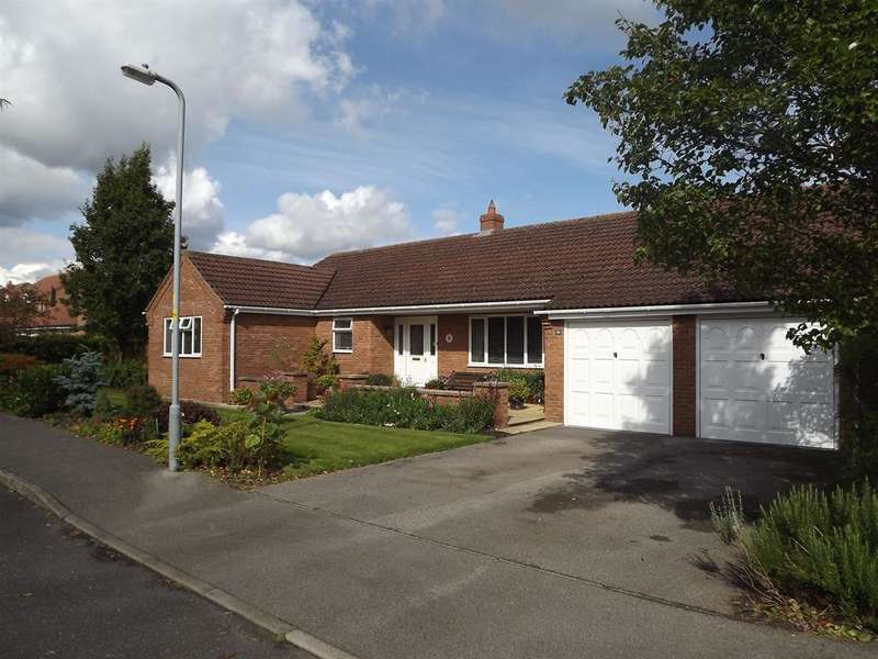 3 Bedrooms Bungalow for sale in St. Georges Drive, Woodhall Spa, LN10 6PD