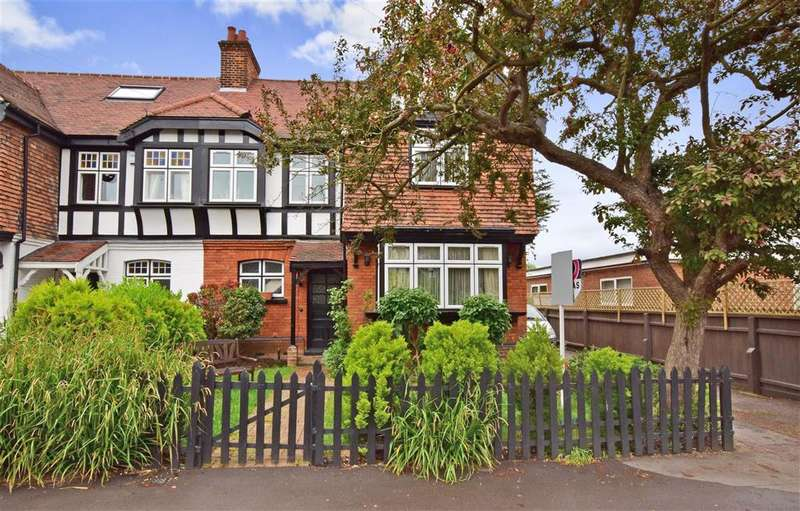 4 Bedrooms Semi Detached House for sale in The Drive, , Loughton, Essex