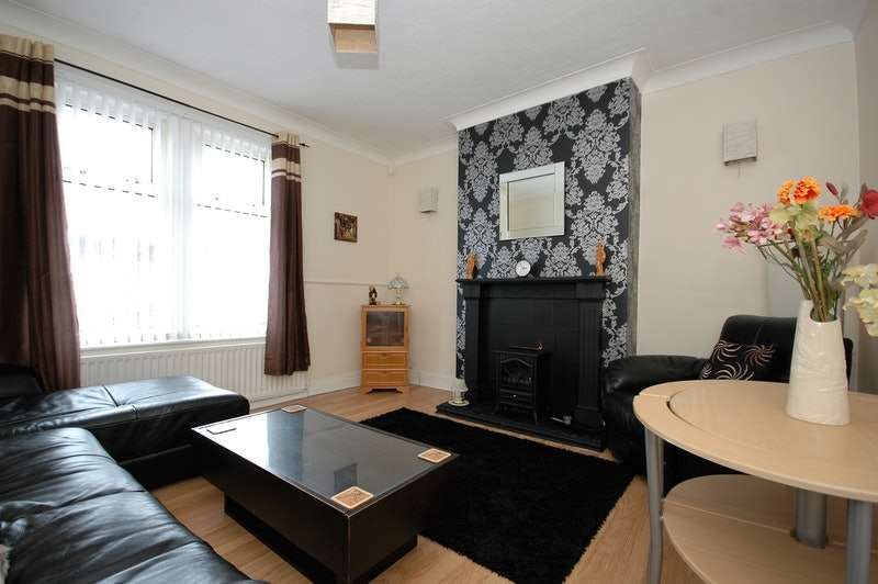 3 Bedrooms Flat for sale in Northbourne Road, Jarrow, Tyne and Wear, NE32