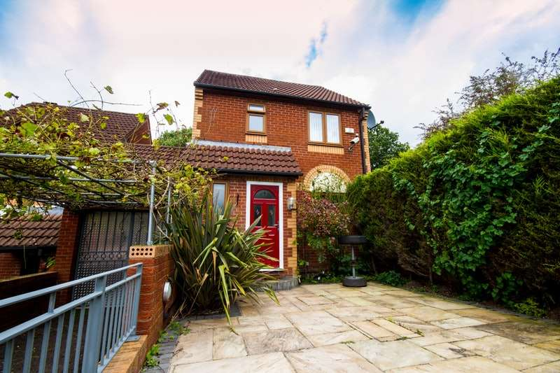 3 Bedrooms Detached House for sale in Clay Bottom, Bristol, Bristol, BS5