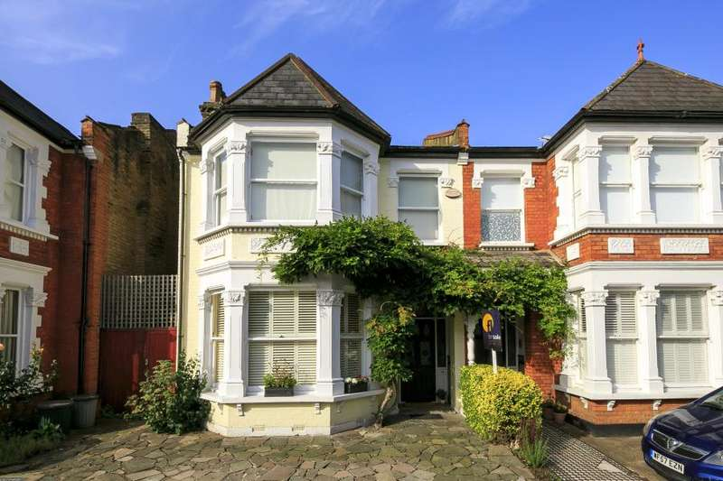 4 Bedrooms Semi Detached House for sale in Cresswell Road, East Twickenham