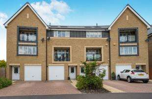 5 Bedrooms Town House for sale in Chapel Drive, Dartford, Kent, Uk