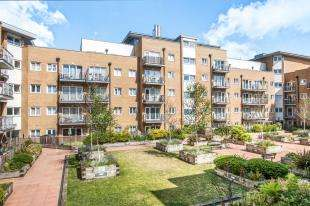 2 Bedrooms Flat for sale in Peebles Court, 21 Whitestone Way, Croydon