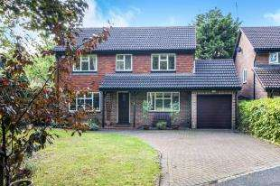 4 Bedrooms Detached House for sale in Copping Close, Park Hill, Croydon, Surrey