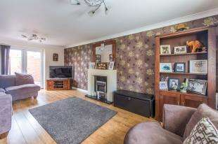 4 Bedrooms Semi Detached House for sale in Bourdon Close, Hoo, Rochester, Kent