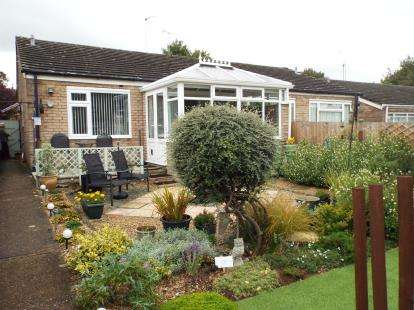 2 Bedrooms Bungalow for sale in Bury St Edmunds, Suffolk
