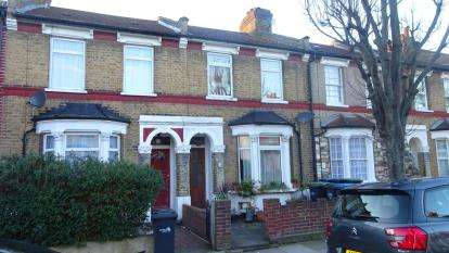 3 Bedrooms Terraced House for sale in Bulwer Road, London