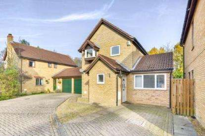 3 Bedrooms Detached House for sale in Fernan Dell, Crownhill, Milton Keynes, Buckinghamshire