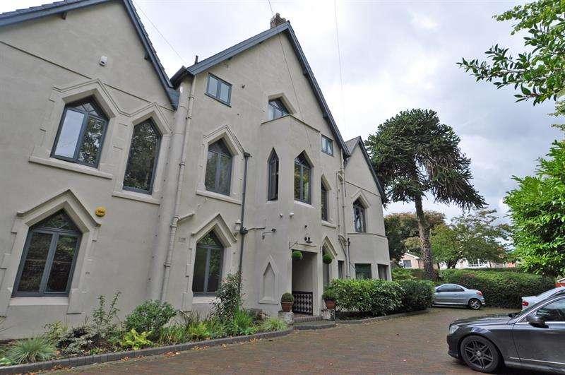 3 Bedrooms Apartment Flat for rent in Wake Green Road, Birmingham