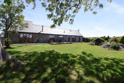 4 Bedrooms Barn Conversion Character Property for sale in Tai Hirion, Rhoscefnhir, Anglesey, North Wales, LL75