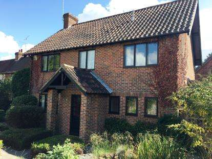 4 Bedrooms Detached House for sale in Droxford, Hampshire