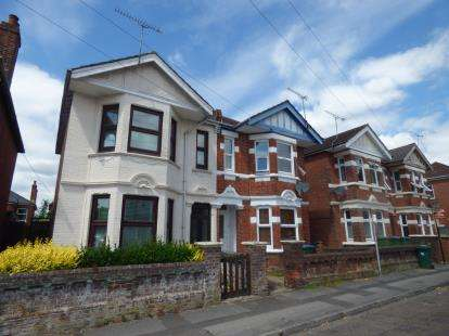 3 Bedrooms Semi Detached House for sale in Polygon, Southampton, Hampshire