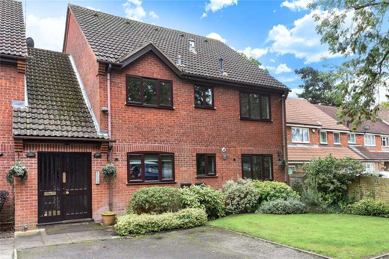 1 Bedroom Apartment Flat for sale in Rosecroft Court, The Avenue, Northwood, Middlesex, HA6