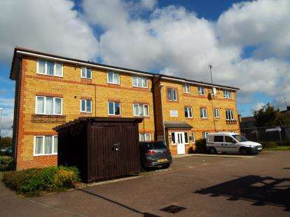 2 Bedrooms Flat for sale in Orchid Close, Luton, Bedfordshire