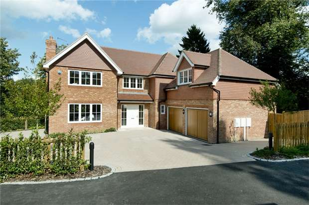 5 Bedrooms Detached House for sale in High Street, Chipstead, Sevenoaks, Kent