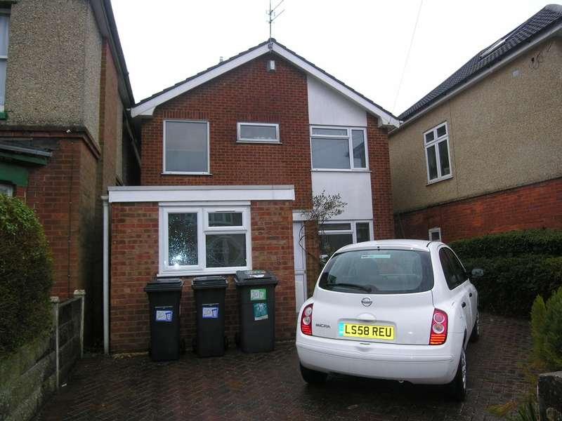 6 Bedrooms House for rent in 6 bedroom House in Winton