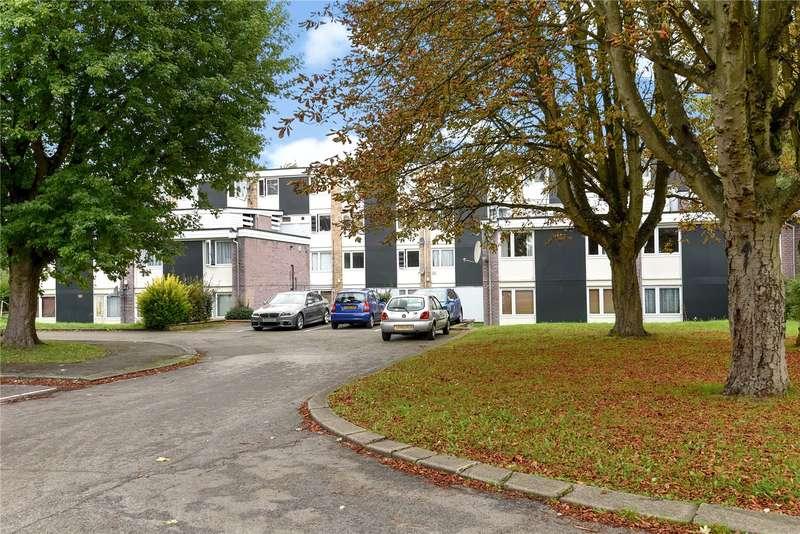 3 Bedrooms Maisonette Flat for sale in Hazeldene Drive, Pinner, Middlesex, HA5