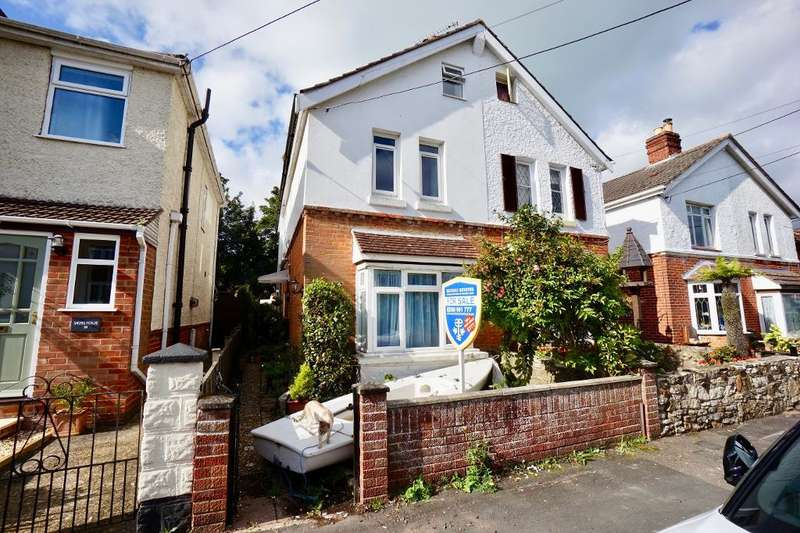 3 Bedrooms Semi Detached House for sale in New Road, Netley Abbey, Southampton, SO31 5DP
