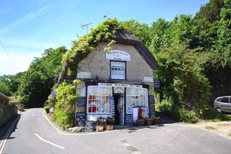2 Bedrooms Detached House for sale in Godshill, Isle of Wight