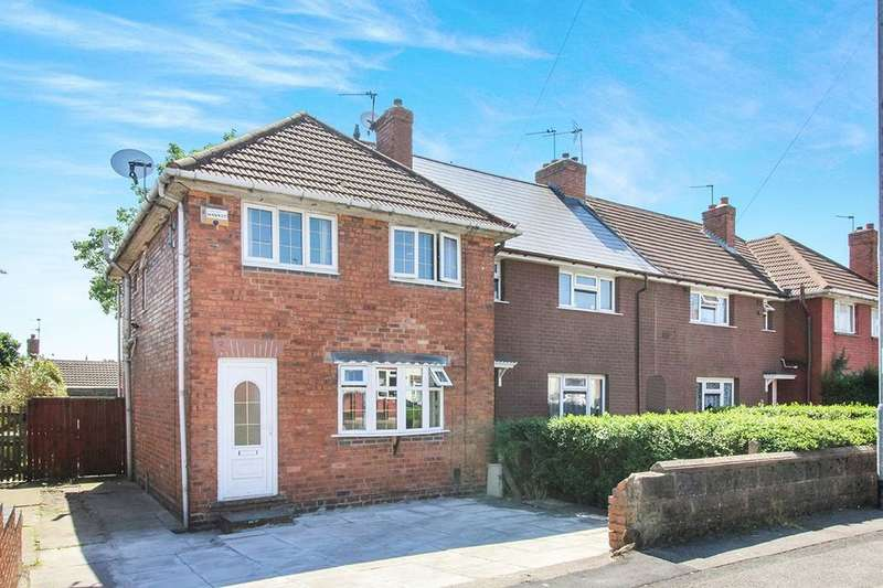 3 Bedrooms Terraced House for sale in Lowe Avenue, Wednesbury, WS10