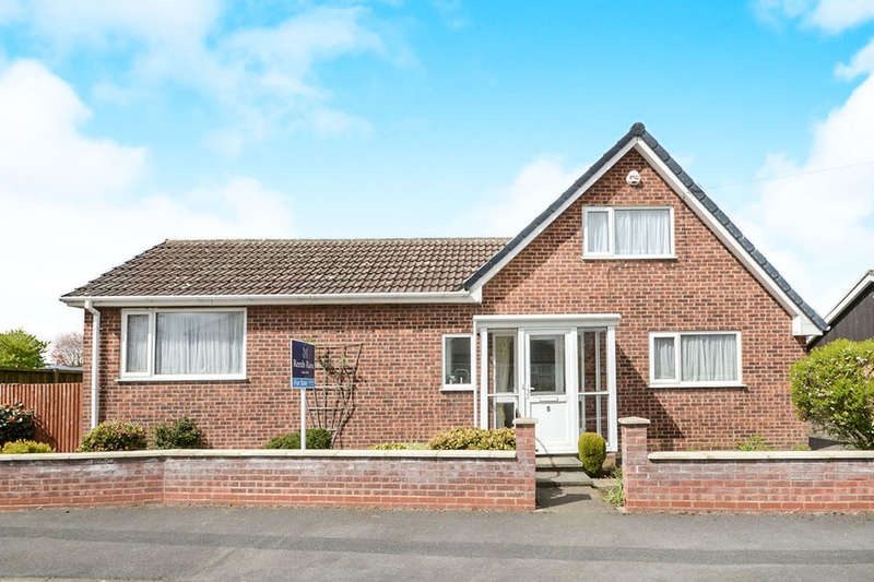 4 Bedrooms Detached Bungalow for sale in Briar Avenue, York, YO26