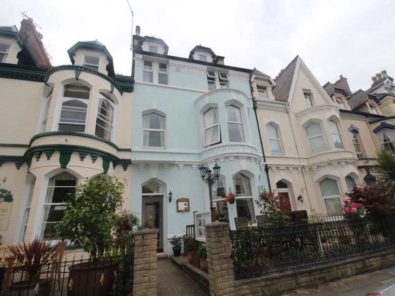 7 Bedrooms Detached House for sale in Chapel Street, Llandudno, LL30