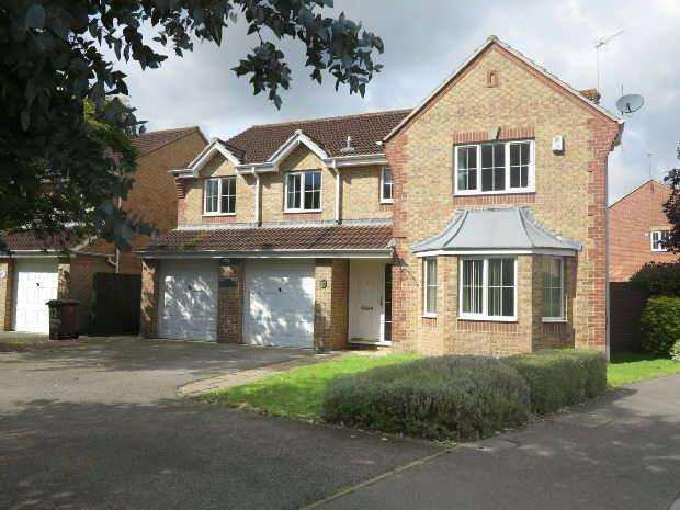 5 Bedrooms Detached House for rent in Paddick Drive, Lower Earley, RG6 4HH