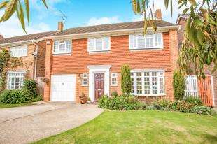 4 Bedrooms Detached House for sale in Winchester Gardens, Canterbury, Kent, Uk