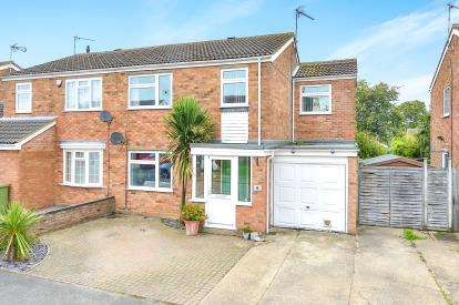 4 Bedrooms Semi Detached House for sale in Winemar Close, Hanslope, Milton Keynes