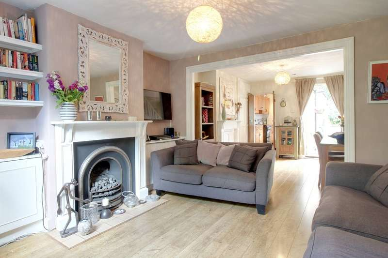 3 Bedrooms Semi Detached House for sale in Bullocks Lane, Hertford
