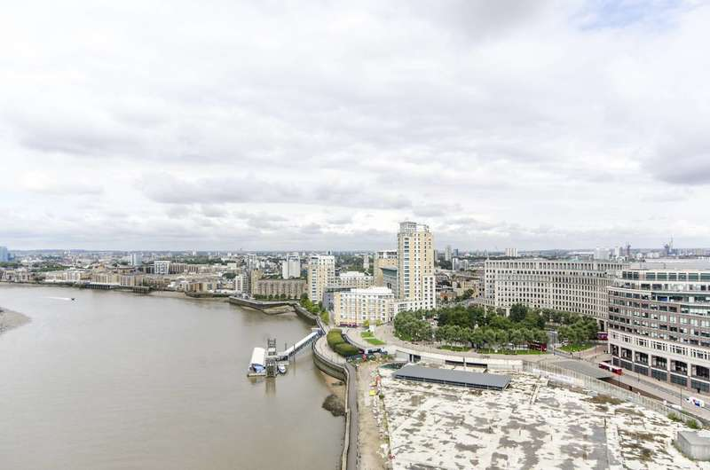 2 Bedrooms Flat for sale in Cascades Tower, Canary Wharf, E14