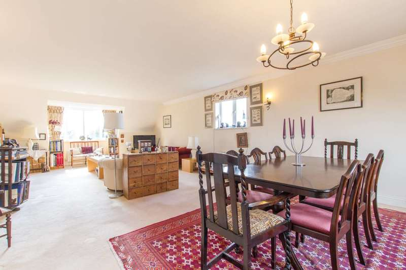 3 Bedrooms Flat for sale in Carolina Court, Hoptree Close, Woodside Park, N12