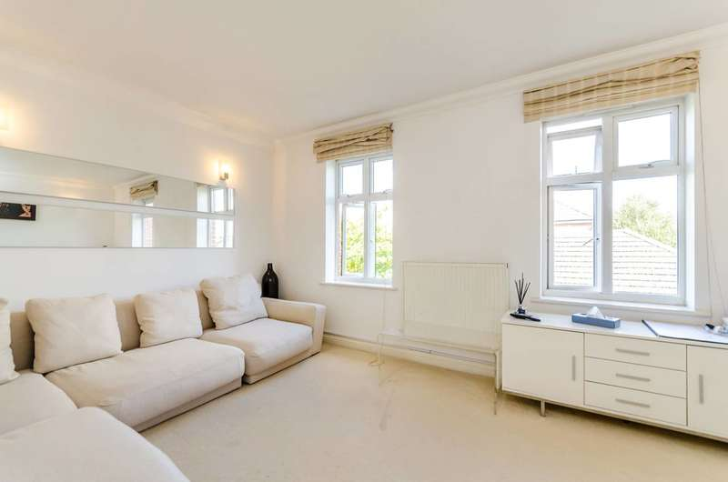3 Bedrooms House for sale in Lower Green Gardens, Worcester Park, KT4