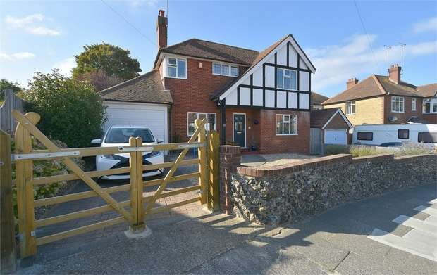 3 Bedrooms Detached House for sale in Carlton Avenue, Broadstairs, Kent
