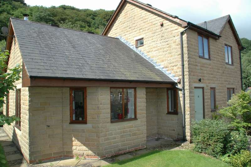 4 Bedrooms Detached House for sale in Palace House Road Hebden Bridge