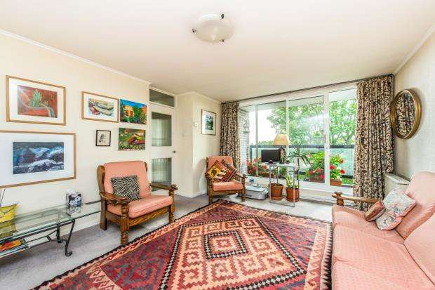 2 Bedrooms Flat for sale in 45 Howson Terrace, Richmond, Surrey