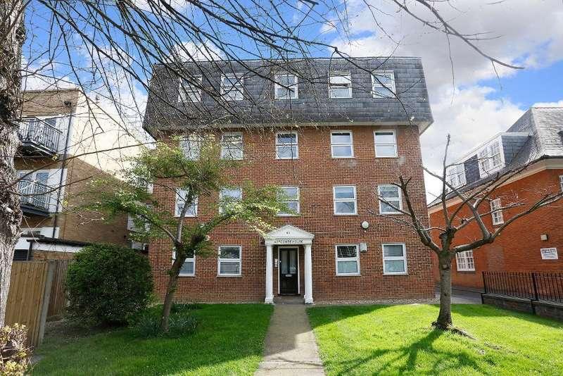 Flat for sale in Sydenham Road, Croydon, CR0 2EF