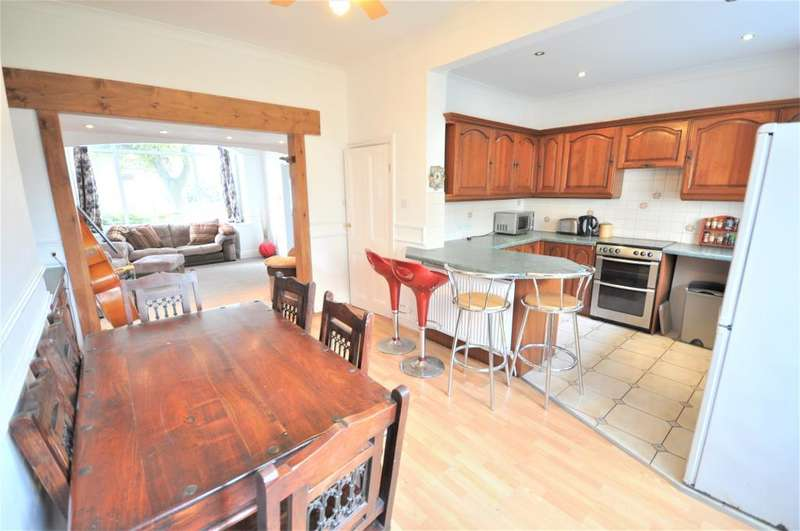 5 Bedrooms Terraced House for sale in Curzon Road, St Annes, Lytham St Annes, Lancashire, FY8 3SE