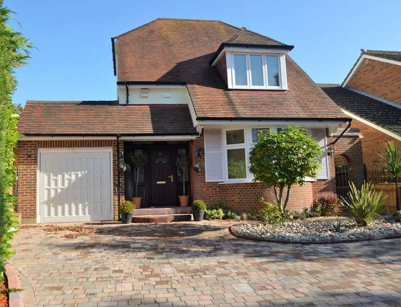 3 Bedrooms Detached House for sale in Cliff Drive, Canford Cliffs BH13