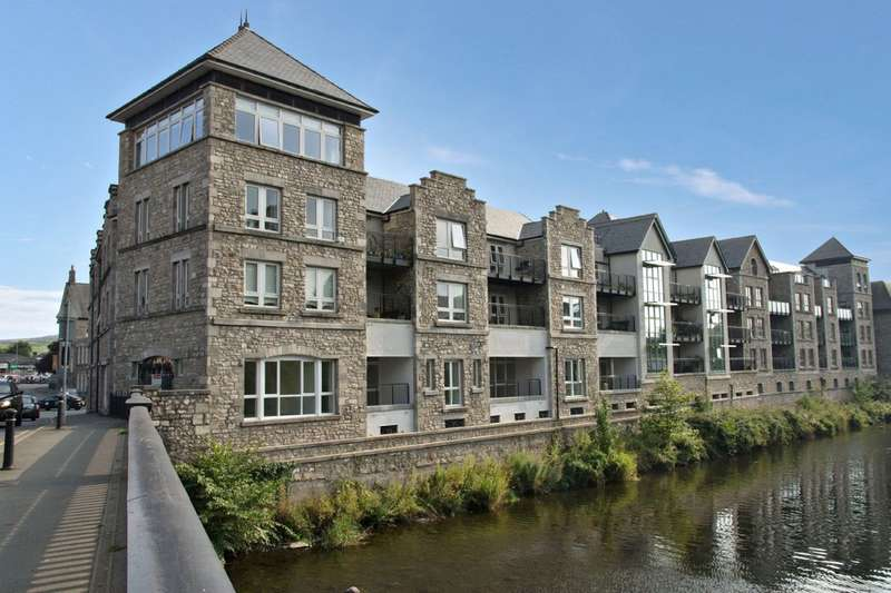 2 Bedrooms Flat for sale in 14 Kentgate Place, Beezon Road, Kendal, Cumbria, LA9 6EQ