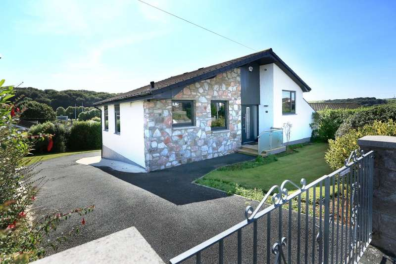 3 Bedrooms Detached House for sale in Elburton, Plymouth