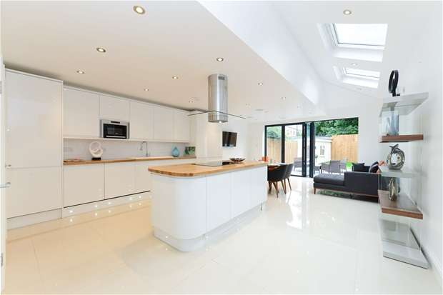 5 Bedrooms Terraced House for sale in Athenlay Road, Peckham
