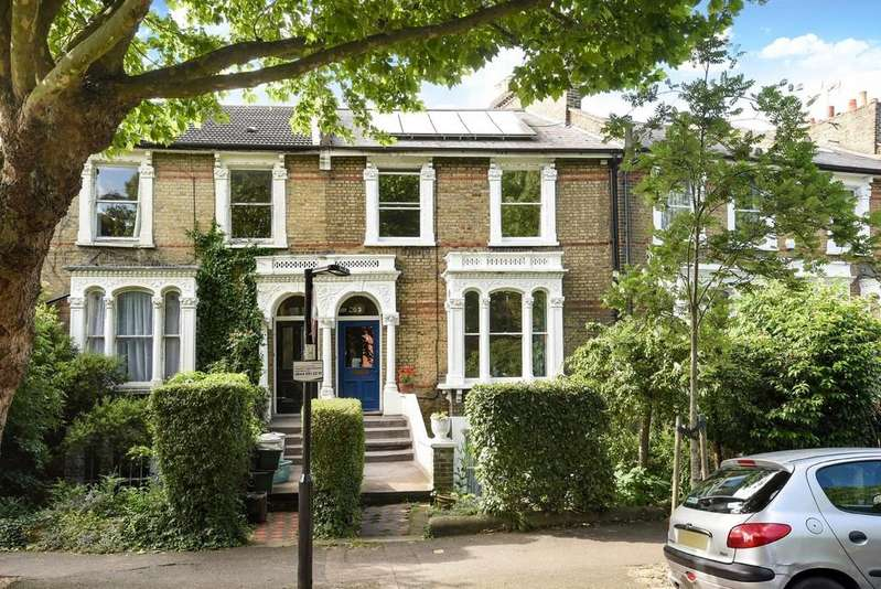 4 Bedrooms Detached House for sale in Highbury Quadrant, N5 2TE