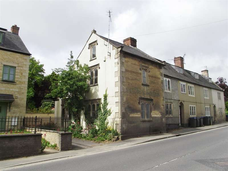 2 Bedrooms House for sale in Curzon Street, Calne