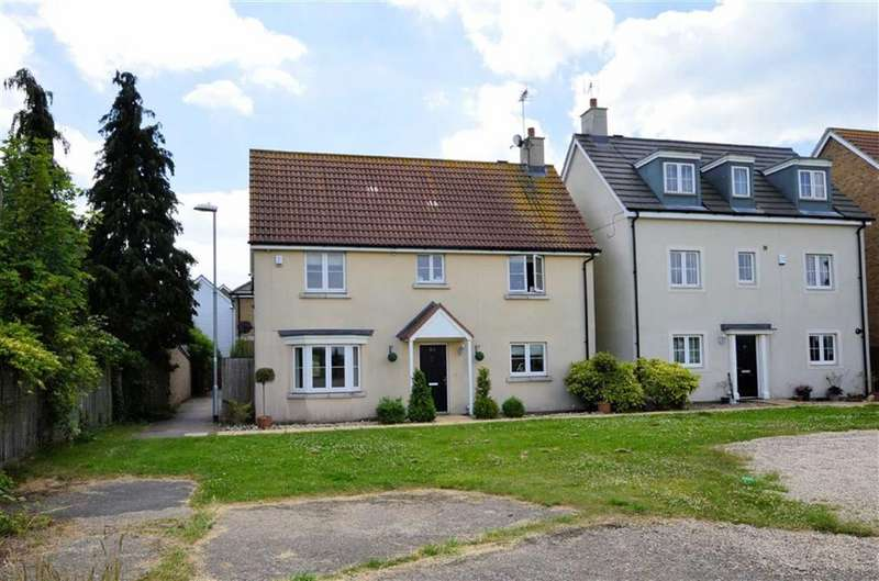 4 Bedrooms Detached House for sale in Blenheim Square, North Weald